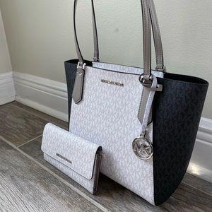🤍🖤Michael Kors Kimberly tote and wallet 🤍🖤